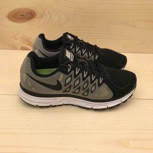 Nike Women's Air Zoom Vomero 9 Running Shoes